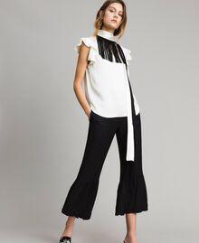 """Блуза с поясом с бахромой Двухцветный Белый """"Снег"""" / Черный женщина 191TT2384-03"""