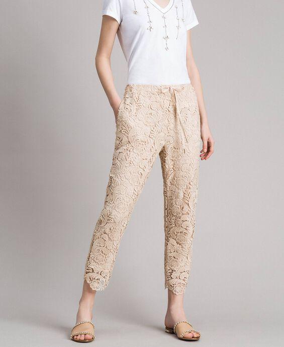 Pantalon de jogging en dentelle macramé