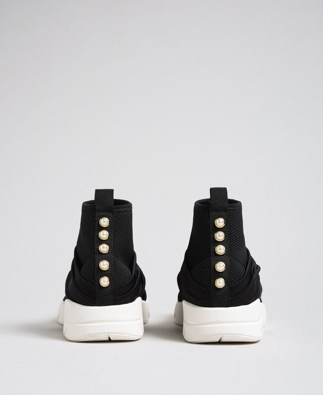 Chaussures de running avec perles et entrecroisement Noir Femme 192MCP068-04