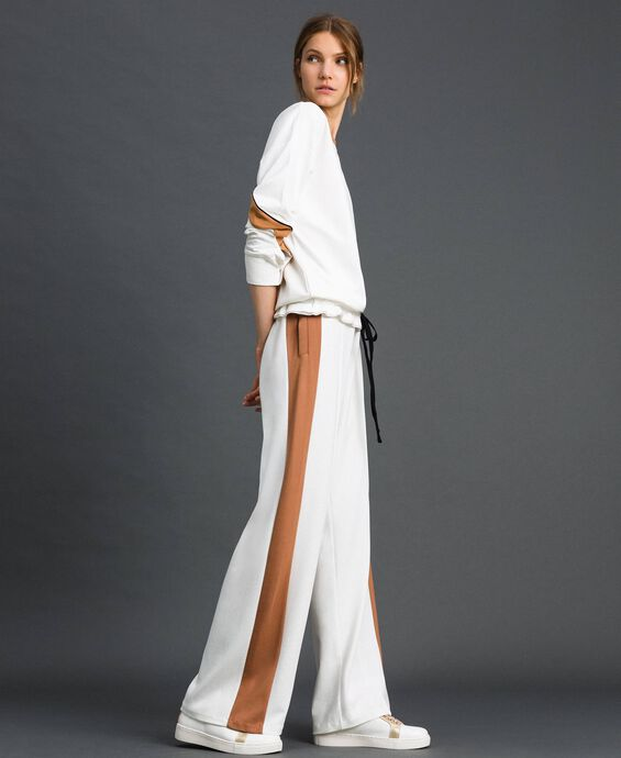 Pantalon palazzo avec bandes contrastées