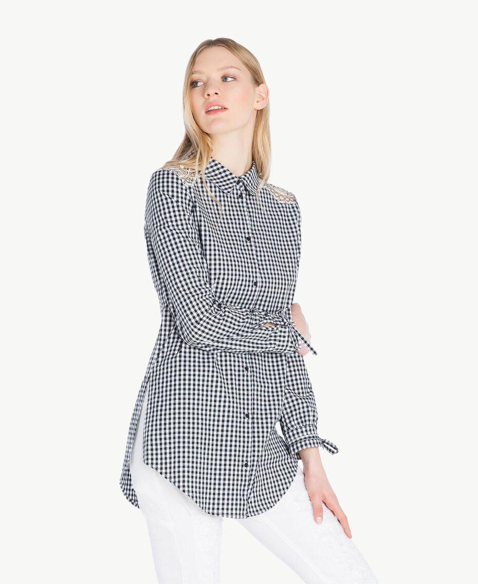 Langes Hemd mit Vichykaros Zweifarbiges Vichy Optisches Weiß / Schwarz Frau JS82ER-02