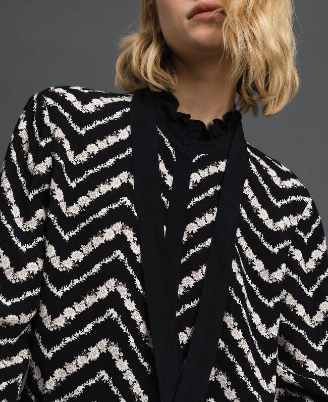 Camicia con stampa floreale chevron Stampa Chevron Nero / Bianco Neve Donna 192TP2529-04