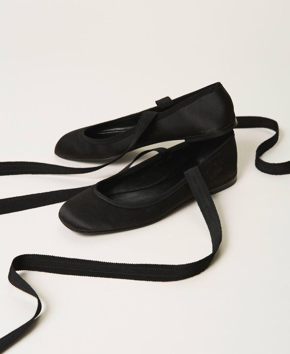 Ballerina aus Satin Schwarz Frau 202TCP200-02