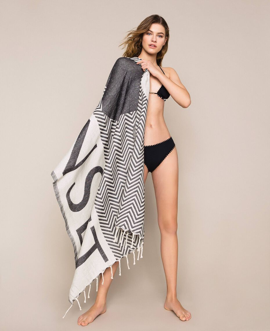 Jacquard beach towel with chevron motif Black Woman 201LM4ZBB-0S