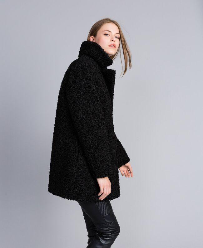 Mantel aus Lammfellimitat Schwarz Frau JA82KN-01