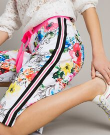 Printed fleece cropped trousers All Over Optical White Multicolour Flowers Print Woman 191MT2362-04