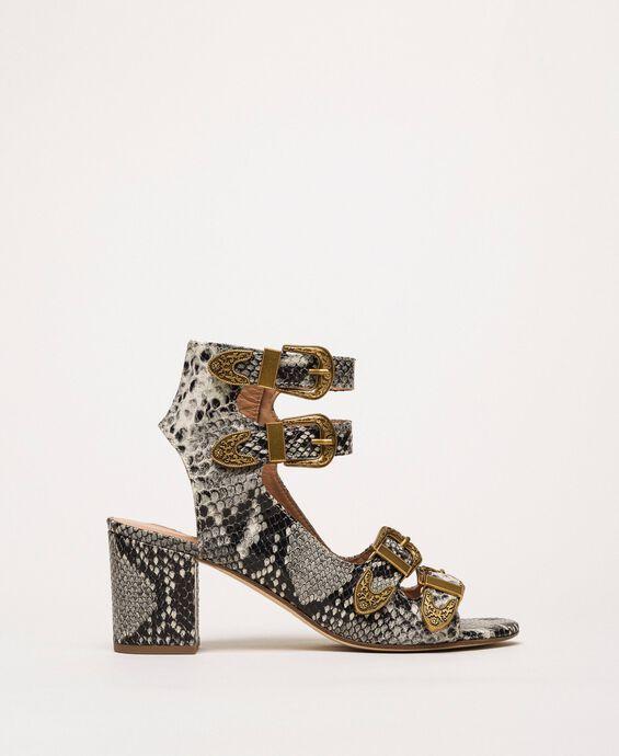 Sandalette mit Pythonprägung und Schnallen