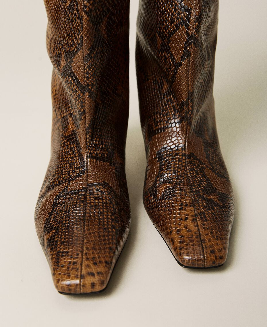 Leather high boots with animal print Leather Whips Print Woman 212TCP180-02