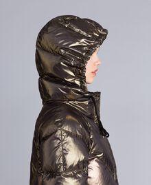 Kurze Steppjacke aus Lamé Mehrfarbig-Metallic Frau TA82CA-05