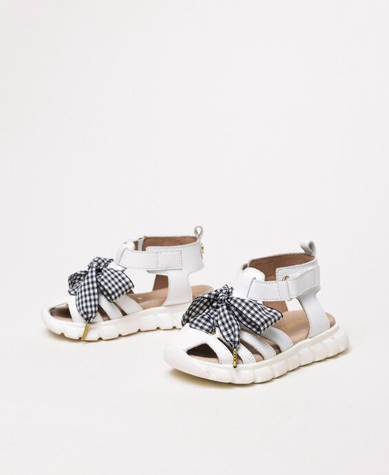 Leather sandals with gingham bow