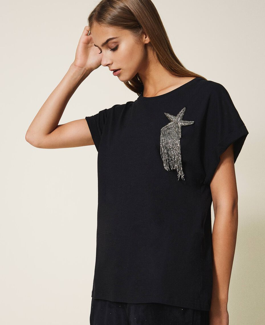 T-shirt avec étoile brodée Noir Femme 202TP246A-02