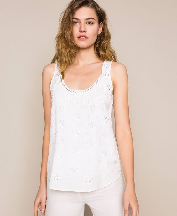 Linen blend top with broderie anglaise and embroideries