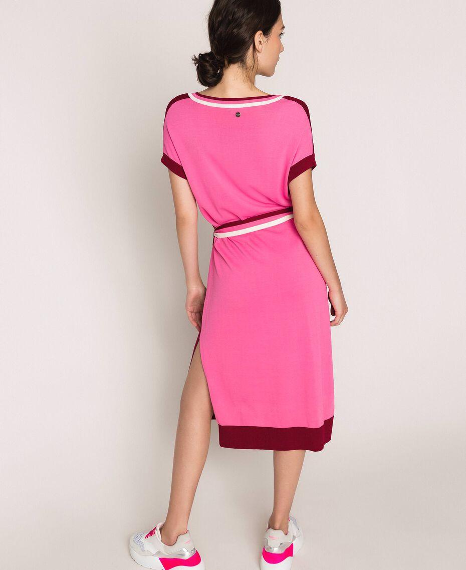 """Two-tone knit dress with belt Two-tone """"Crimson"""" Red / Superpink Woman 201ST3030-05"""
