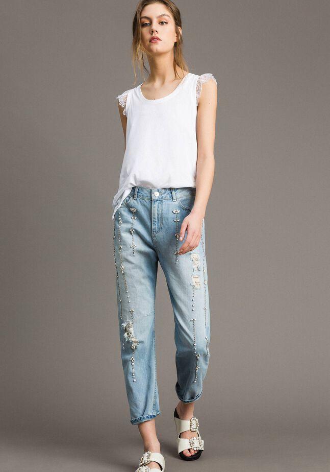 Girlfriend-Jeans mit Strass und Ziersteinen