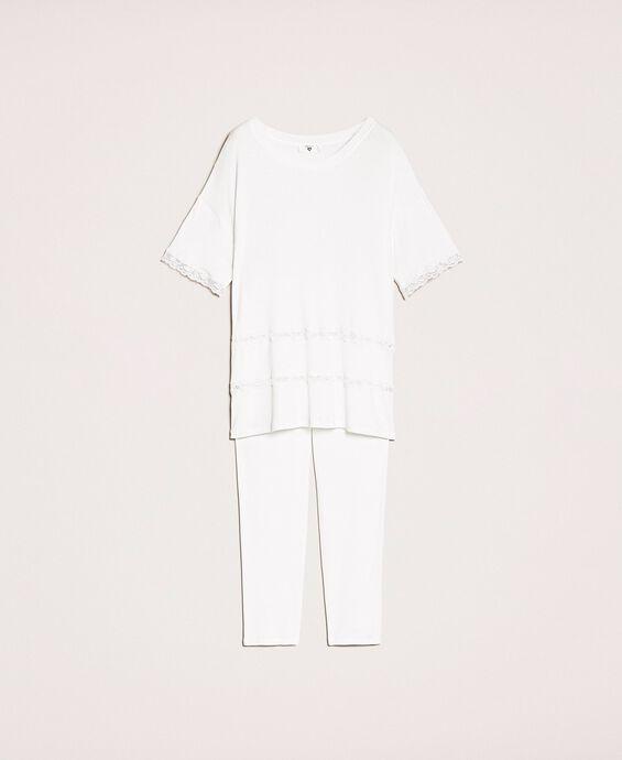 Пижама в рубчик с кружевом