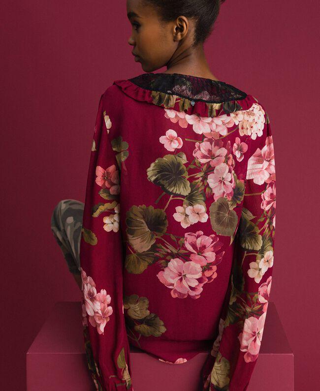 Bluse aus Krepon mit Blumenprint Print Rote-Bete-Rot Geranie Frau 192TP2724-03