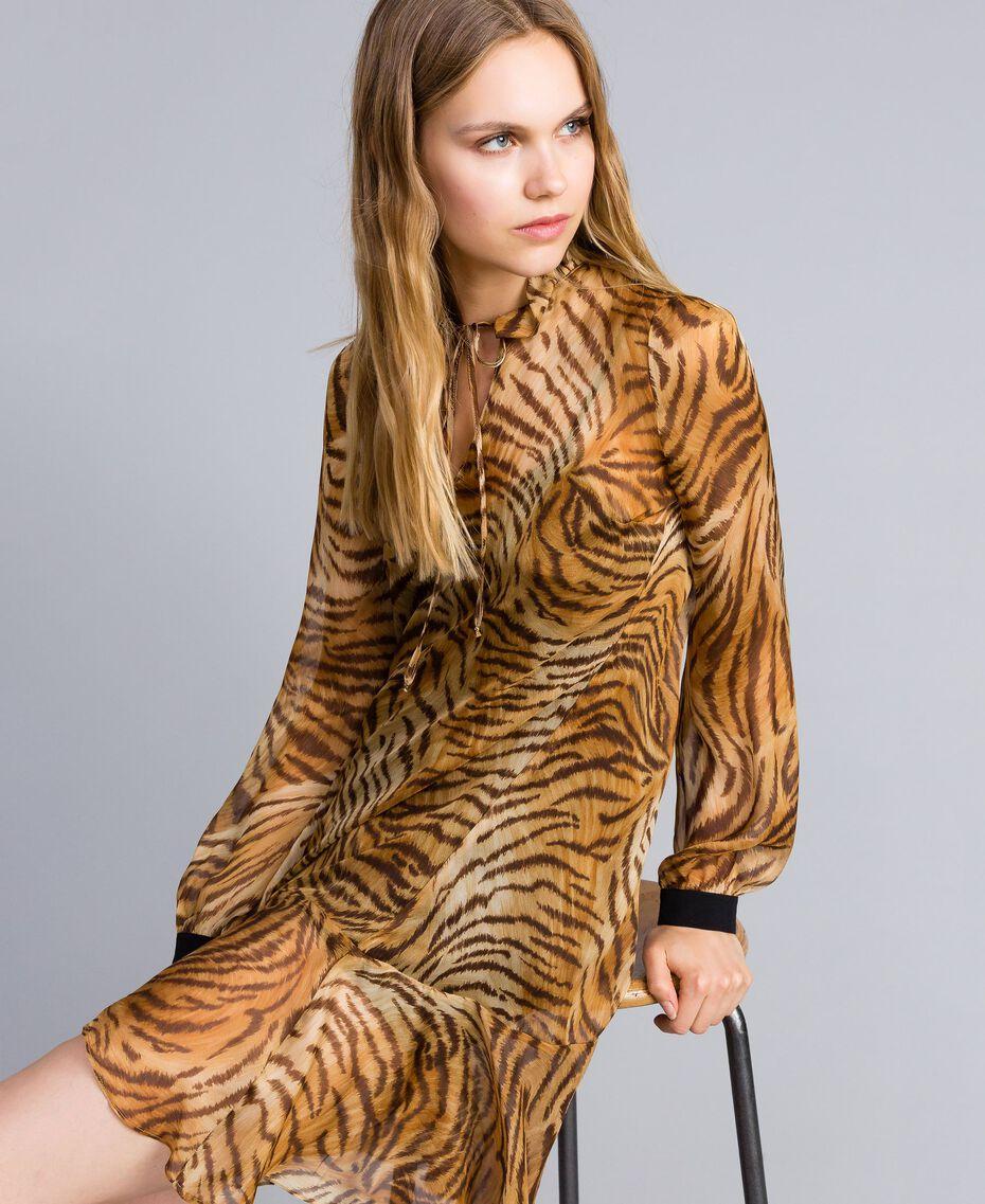 "Kleid aus Seidenchiffon mit Print Print ""Tiger"" Frau TA8253-02"