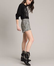 "Fringed tweed shorts Two-tone ""Snow"" White Bouclé / Black Woman 191TP2526-02"