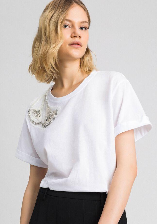 T-Shirt mit floraler Stickerei aus Strass und Pailletten