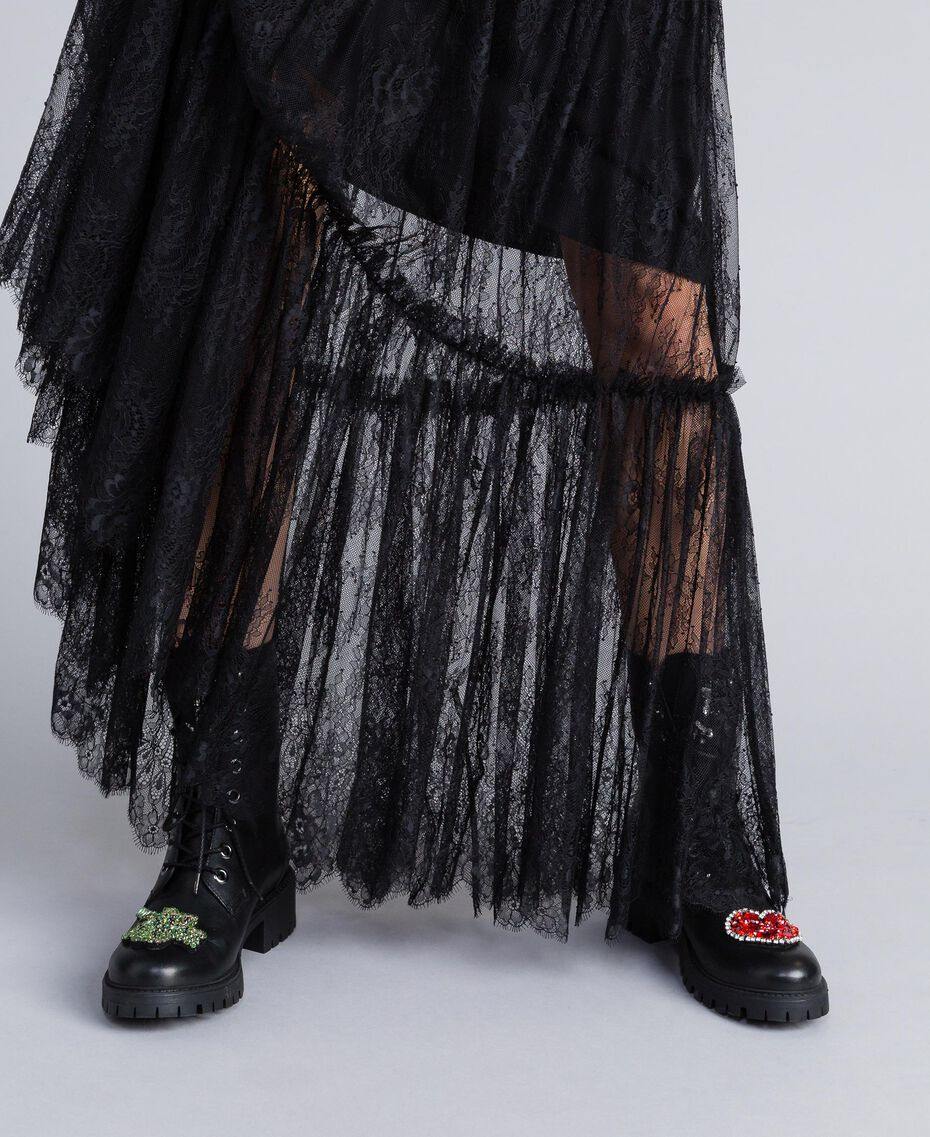 Schnürstiefelette aus Leder mit Aufnähern Schwarz Frau CA8PLN-0S