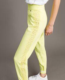 """Pantaloni jogging con bande effetto pizzo Giallo """"Lemon Juice"""" Donna 191LL36CC-04"""