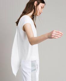 Krepp-T-Shirt mit Ausschnitt Weiß Frau 191LL23CC-04