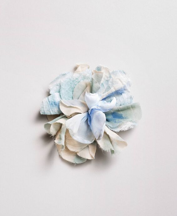 Flower fabric brooch