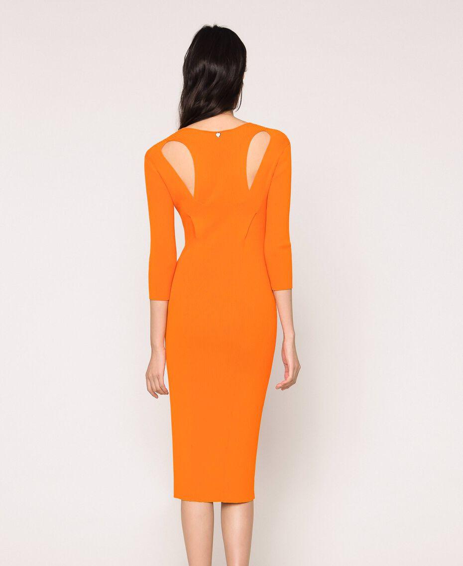 Robe longue côtelée ouverte dans le dos Orange «Calendula» Femme 201MT3032-03
