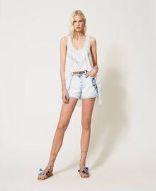 Shorts en jean avec patchs brodés Bleu «Beach» Brodé Femme 211TT243A-0T