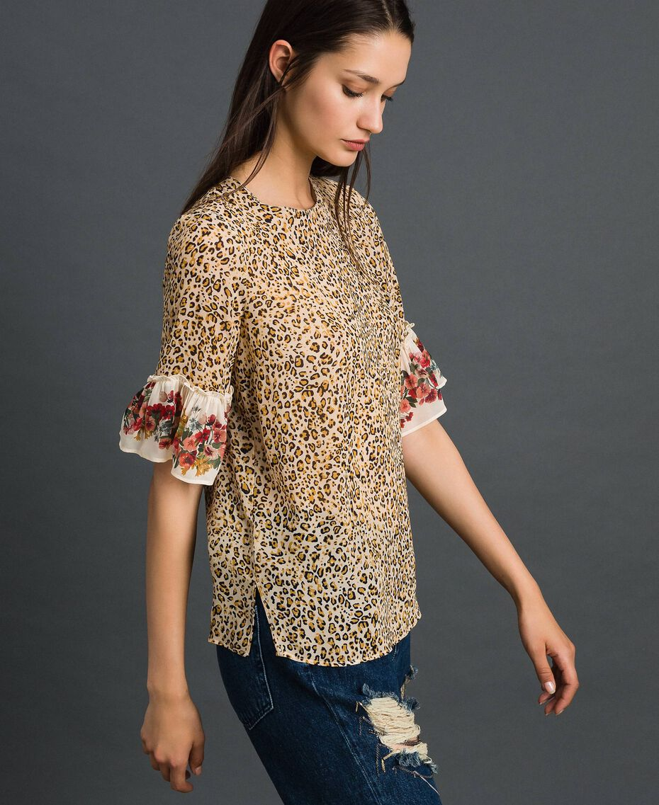 Bluse mit Blumen-Animal-Print Leopardenprint Frau 192TP2742-02