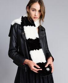 Striped faux fur scarf Bicolour Mother-of-pearl White / Black Woman VA8P3E-0S