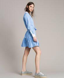 Popeline-Hemd-Kleid mit Stickerei Kornblumen Blau Frau 191MP2043-03