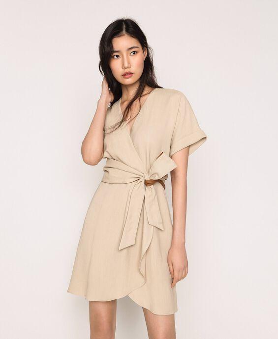 Kleid aus Canvas und Lederimitat