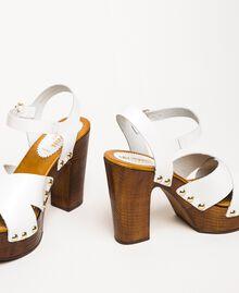 Clog-Sandalette aus Leder Weiß Frau 201MCT018-04