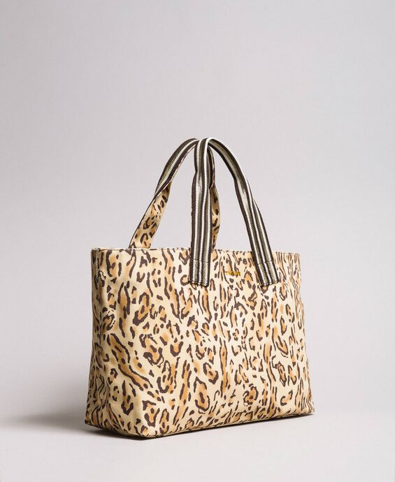 Canvas beach bag with animal print