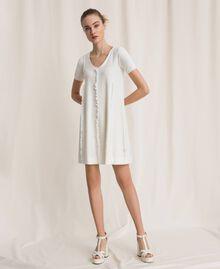 Robe avec surpiqûres et volant Blanc Femme 201ST3066-02
