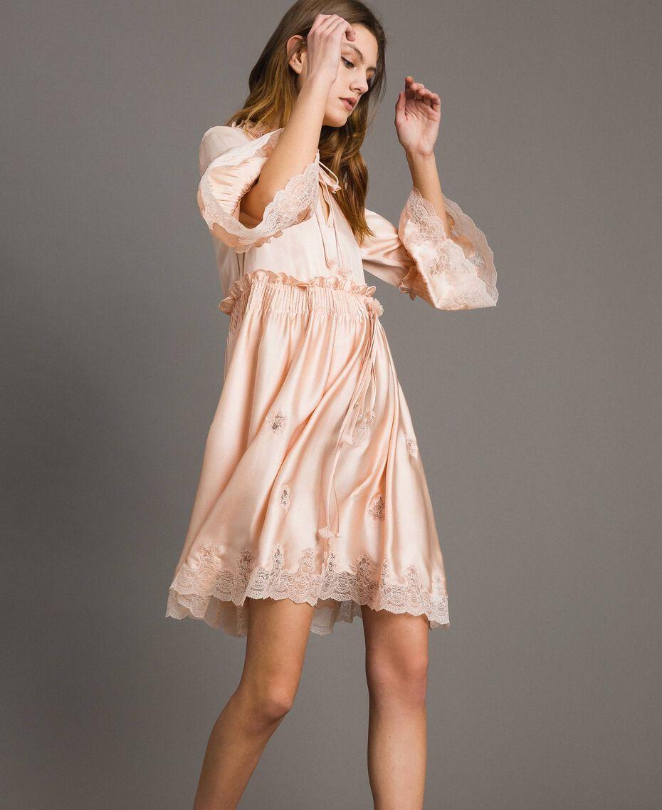 """Robe en satin de soie avec bordures en dentelle Rose """"Sable Rose"""" Femme 191TT2010-02"""