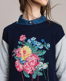 Pullover mit handgefertigter Blumenintarsie Zweifarbig Melange Hellgrau / Indigo Frau 191MP3122-05