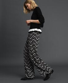 "Floral and chevron print palazzo trousers Black / ""Snow"" Chevron Print Woman 192TP252C-01"