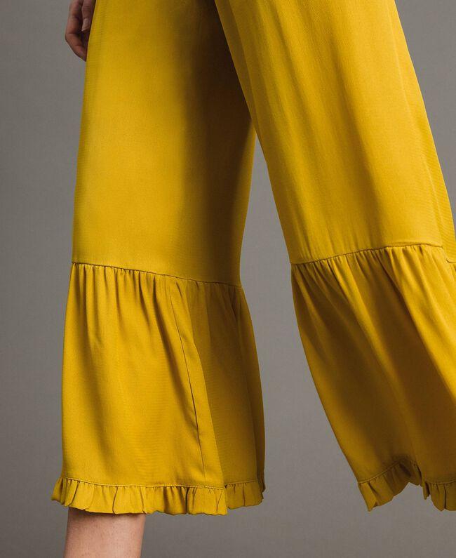 """Hose mit Rüschen aus Seidenmischung """"Honey Gold"""" Frau 191TT2073-04"""
