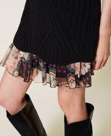 Robe en laine mélangée avec fond de robe floral Bicolore Noir / Imprimé Indian Flower Noir Femme 212TP3510-06