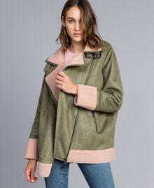 "Faux shearling jacket Bicolour Alpine Green / ""Nude"" Pink Woman JA82G1-01"