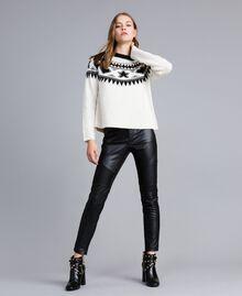 Pull jacquard avec clous Bicolore Blanc Nacre / Noir Femme JA83EA-0T