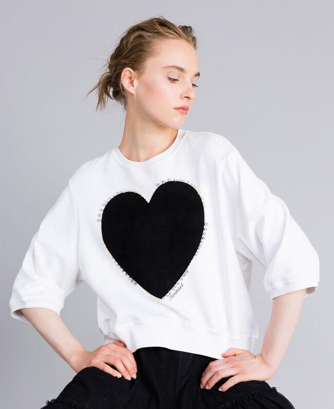 Sweat en coton avec cœur floqué Blanc Femme PA82CD-01