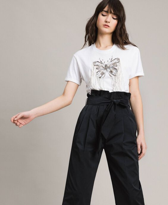 T-shirt avec broderie papillon et franges