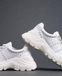 Sneakers aus Metallic-Leder mit Perlen Weiß Frau 192TCP066-03