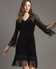 Kleid mit Netzmaschen und Fransen Schwarz Frau 191TT3060-04
