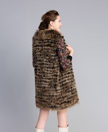 Gilet tricoté en fourrure Bicolore Noir / Camel Femme PA82LD-03