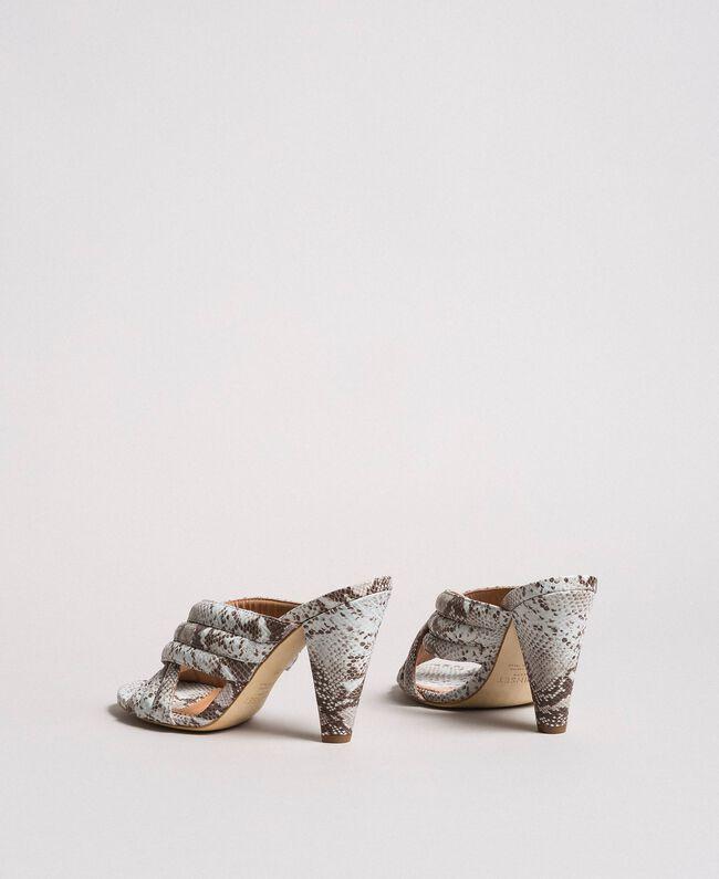 Mules en cuir avec imprimé animalier Imprimé Python Blanc Glace Femme 191TCP134-03