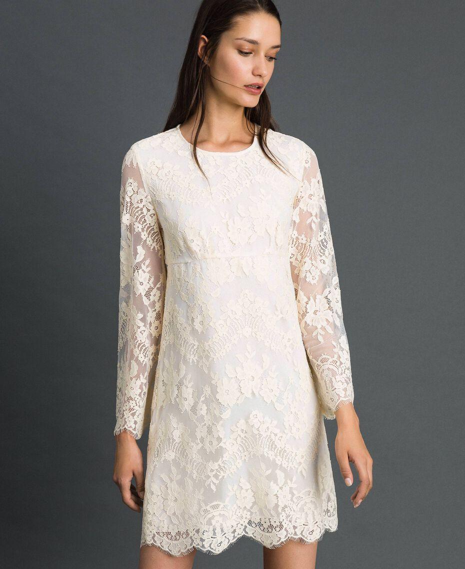 Kurzes Kleid aus Spitze Cremefarben Frau 192LI21EE-01